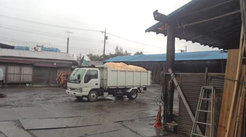 (有)昔の味たまご農場トラック